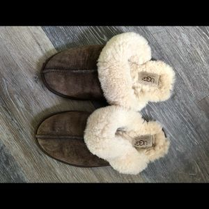 Chocolate Brown Ugg Slippers Size 7 EUC